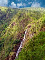 GtB Nationalparks in Belize. Der atemberaubende Hidden Valley Wasserfall