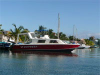 GtB Belize D-Express Water Taxi serves Placencia to Honduras