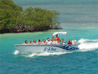GtB Boat arrives in Caye Caulker