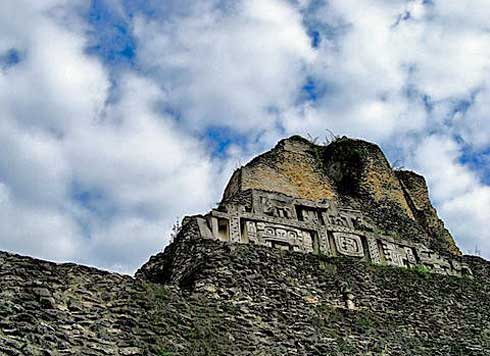 Die Xunantunich Maya Ruin in Belize
